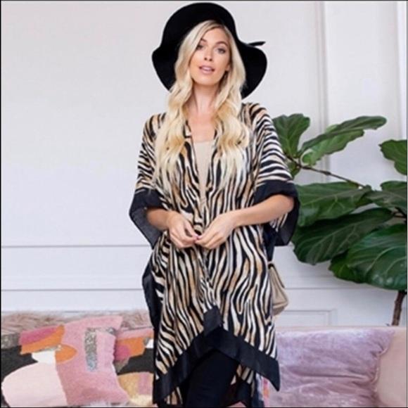 Jackets & Blazers - Tiger print kimono